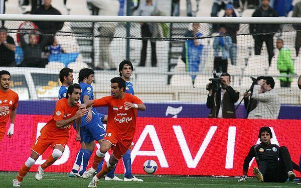 Esteghlal 1-1 Saipa